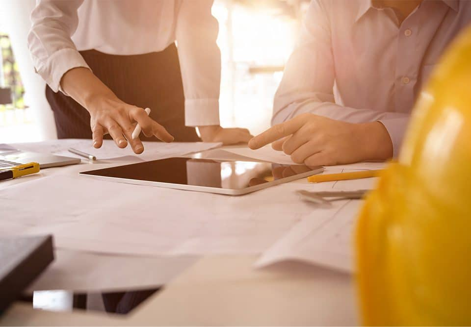 how does contractor management work